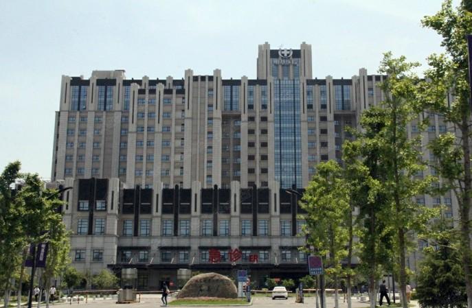 苏州明基医院PVC地板翻新