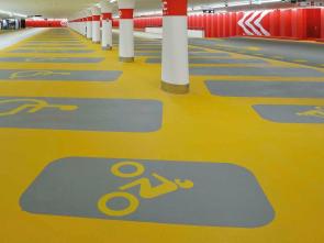 环氧磨石地坪-高端停车场