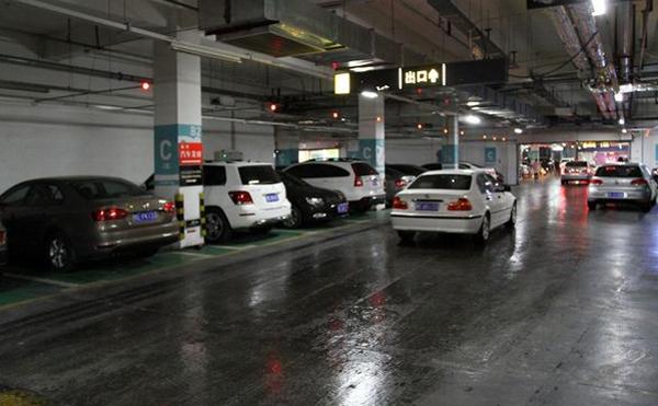 地下停车场地坪施工对基材的要求有哪些?