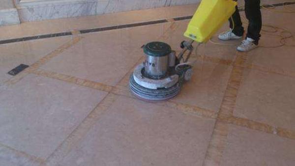 PVC地板养护只有打蜡这种方法吗?
