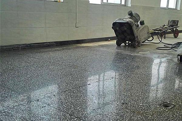 学校水磨石地面保养不懂如何处理-塑立得系统