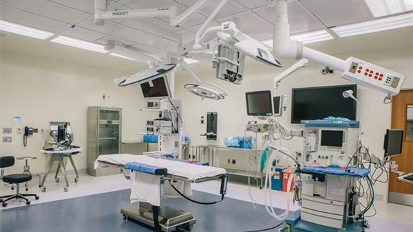 最新环保医院手术室装饰装修材料的选择(塑立得抗菌涂料医院首选)-航特地坪