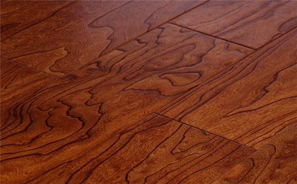 木地板裂缝3招解决!自己就能做,不必请工人