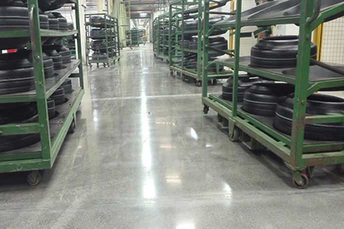 工厂车间环氧地坪地面旧地面翻新改造如何实现?